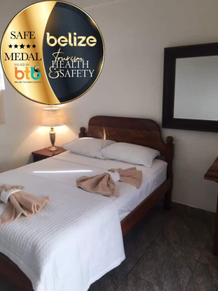 Cozy Double bed Unit on beach resort