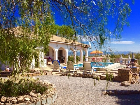 Spacious Villa with own Pool. Ski, golf or Relax.