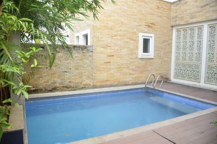EBR@ECR,Chennai Beachside Villa with Swimming Pool