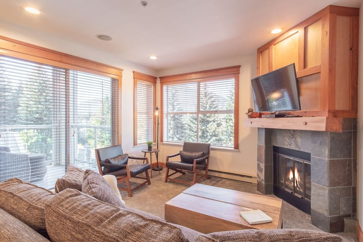 Updated 2BDR, Steps to Blackcomb, Free Parking
