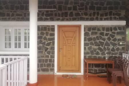 Laaja sisäänkäynti vieraille