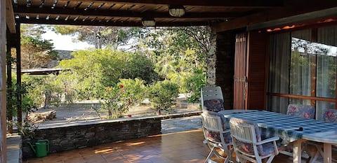 Villa a Stintino con giardino a due passi dal mare