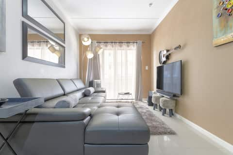Pax Private - Luxury Mr Grey Penthouse - Renovated