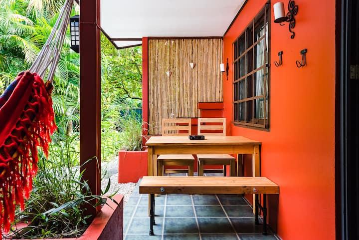 Casa Camaleon 4  Tropical 2 bed beach cabina