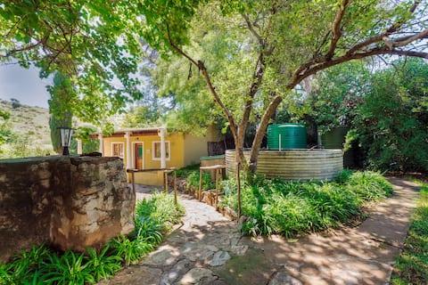 The Karoo Cottage (Wheelchair Friendly)