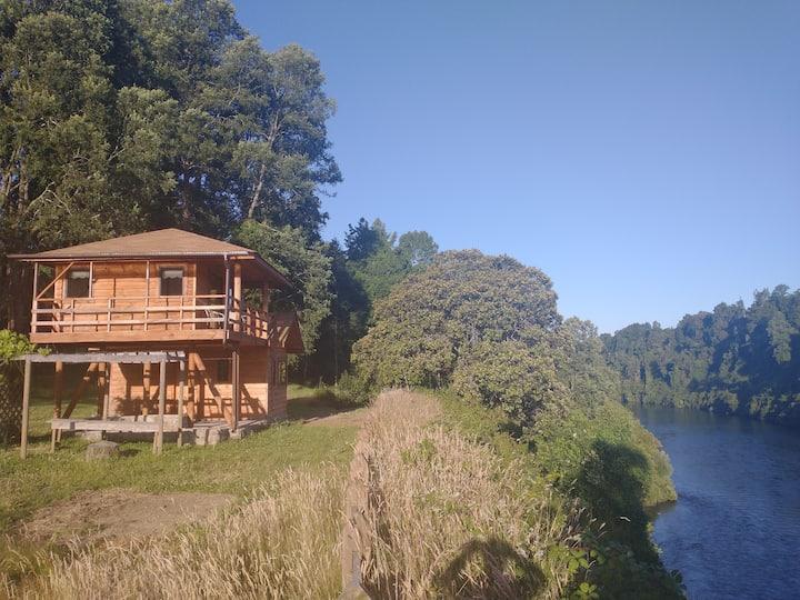 Cabaña en el Campo con Vista al Río.