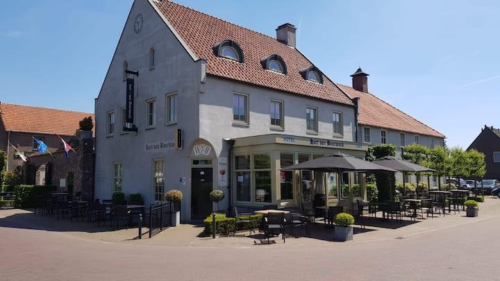 Hotel Café Hart van Bourdonck te Boerdonk (Erp)