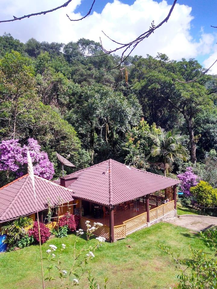 Casa rural na Serra próximo de cachoeiras.