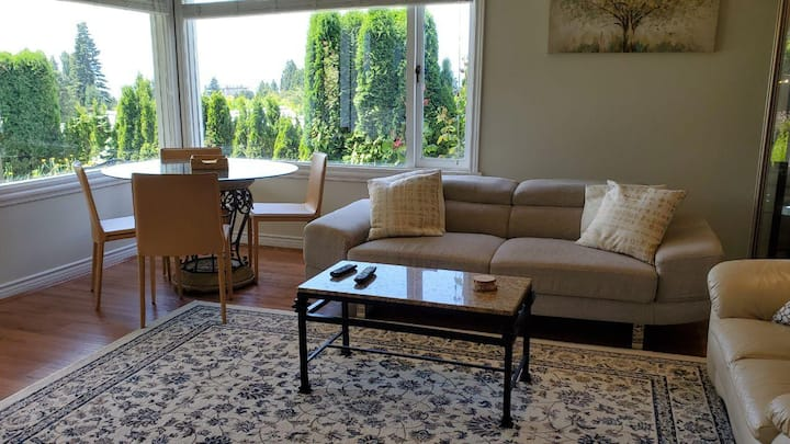one Bed unit beautiful West Vancouver