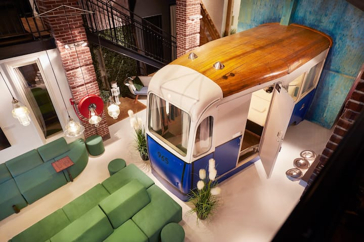 Hotel Not Hotel: Amsterdam Tram Cart