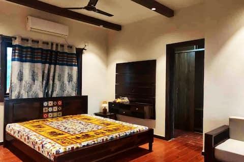 Luxury Retreat with Seaview