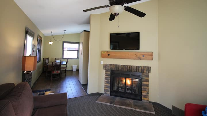 My Friends Cabin - Cozy Cottages WI Dells 2Br1Ba