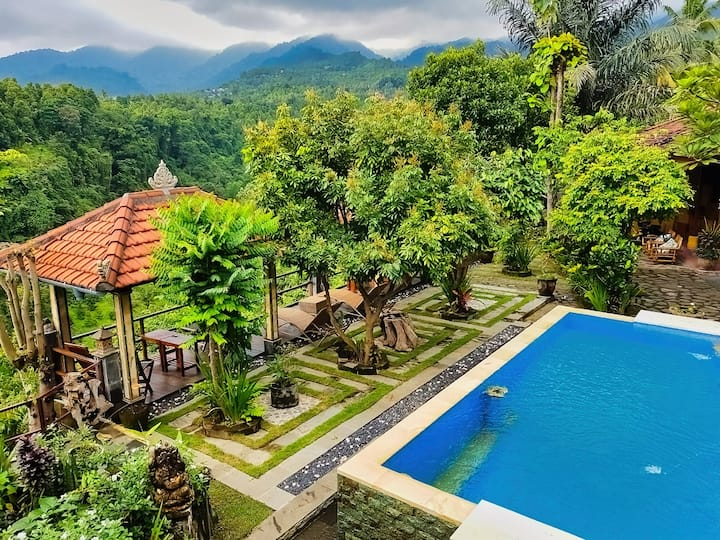 Family room, pool, view & kitchen - Aling - Aling