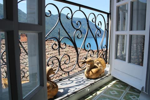 NEW! Cozy living+wonderful views=Casa Marlis