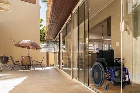 Entrada para o terceiro quarto projetada para cadeirante ou idosos e carinho bebe. Não existe degrau nesta área