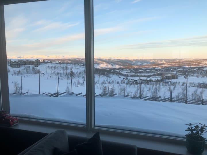 Kikutsikten ; ski inn -ski out.