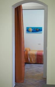 camera sita al piano terra, accesso senza gradini
