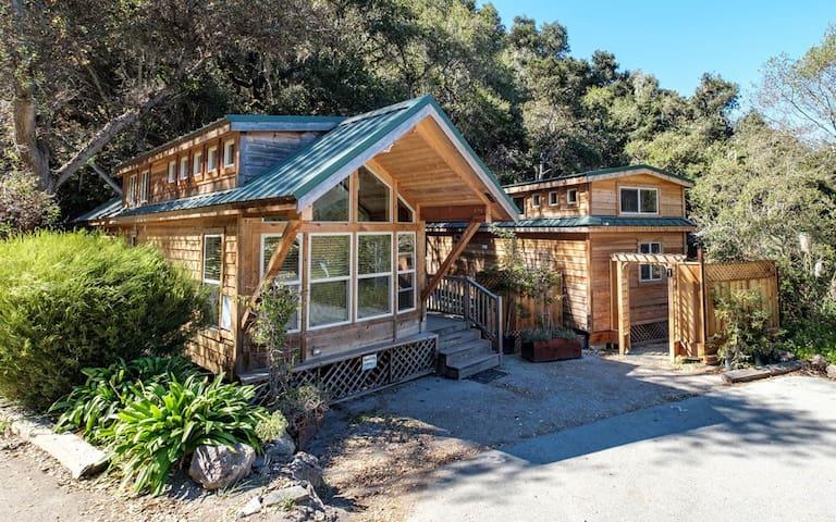 """Cozy Cabin 3 """"Point Lobos"""""""