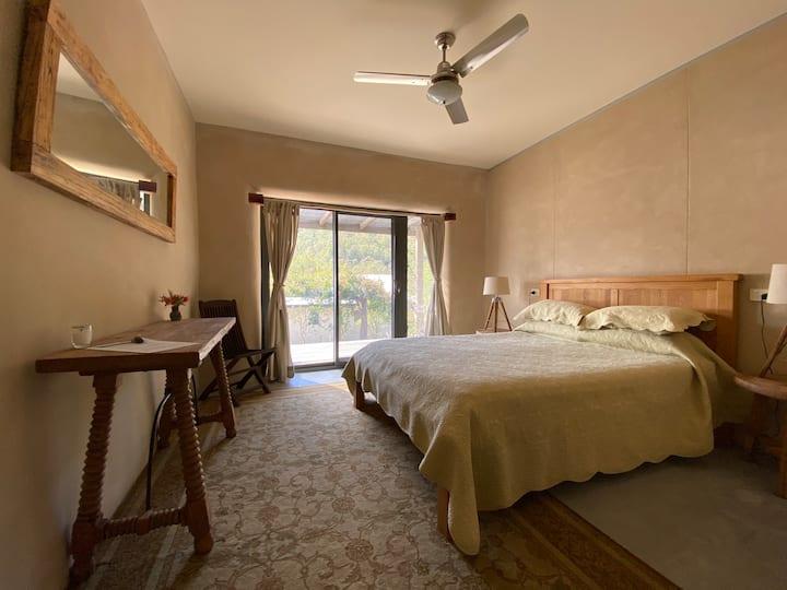 Little Monkerai - Queen Room