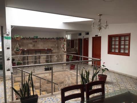 Hostal las Flores -  Málaga, Santander