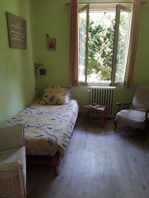 Bedroom in beautiful  townhouse