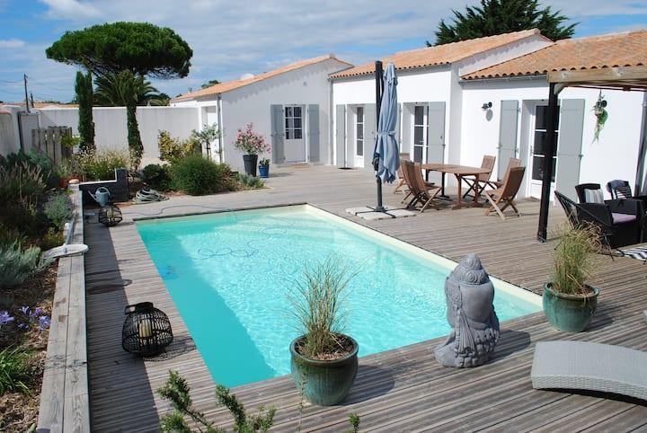 Maison de charme avec piscine  pour 6 personnes