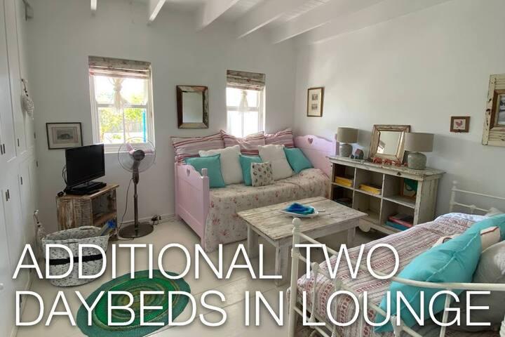 1 bedroom flat - sleeps 4