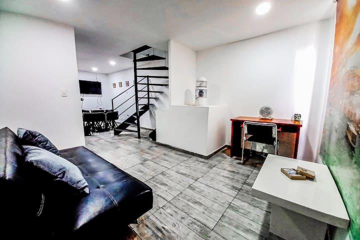La sala es un espacio moderno pensado en satisfacer todas tus necesidades rodeándote de arte y confort.  La sala es un espacio moderno pensado en satisfacer todas tus necesidades rodeándote de arte y confort.