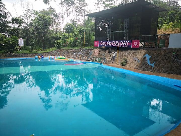 Habitación privada con piscina natural en Fortuna