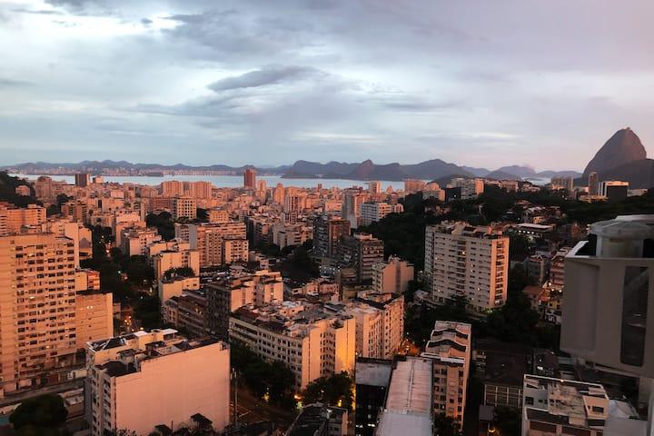 Conforto, segurança e vista espetacular do Rio!