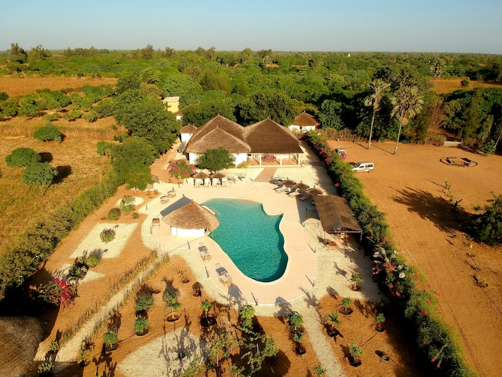 (2)Senegal: 2 independent guest houses