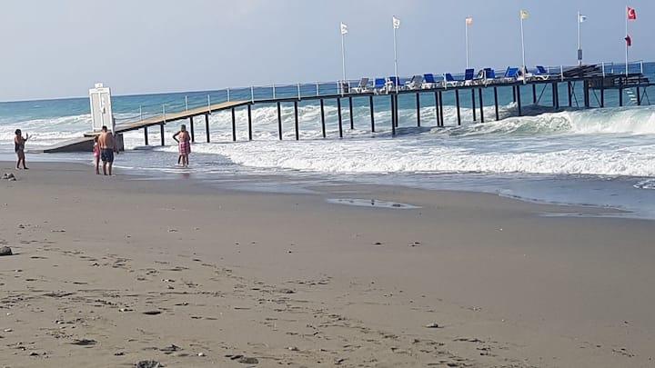 2+1 Apartment 0м. от моря собств. пляж Wi Fi 20Mbt