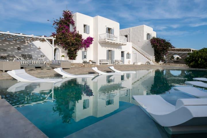 Veni Seaside Luxury Villa with Private Pool