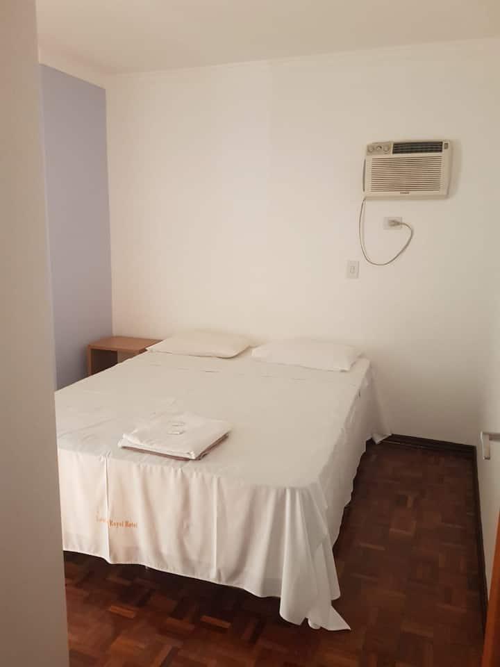Apartamento Casal (403)- Av. JK com Higienópolis