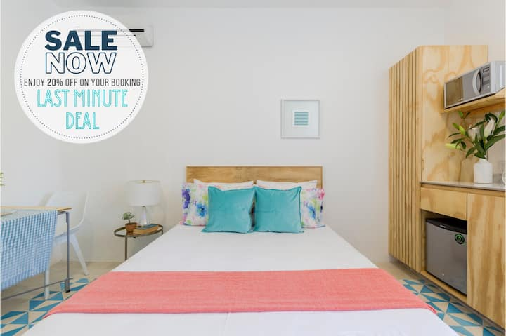 Suite 12 w/shared rooftop pool in downtown Cancún