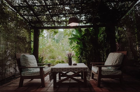 """Charming home-stay with private patio - """"Soma"""""""