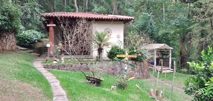 Casa em Bela Área de paz para relaxar- Friburgo