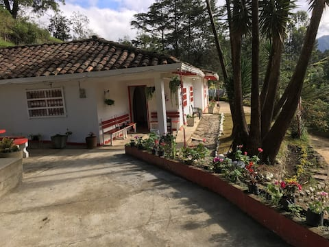 Entire Country House perfect to relax in Sílvia
