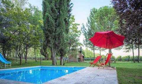 Casa en Viñas de Luján. Entre Viñedos y Montaña