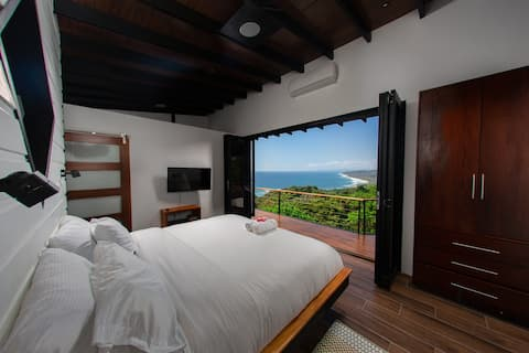 Mambo's Dream-endless coastline view villa