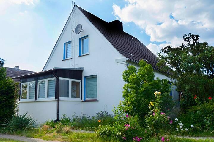 Ganzes Haus nahe Tollensesee bei Neubrandenburg