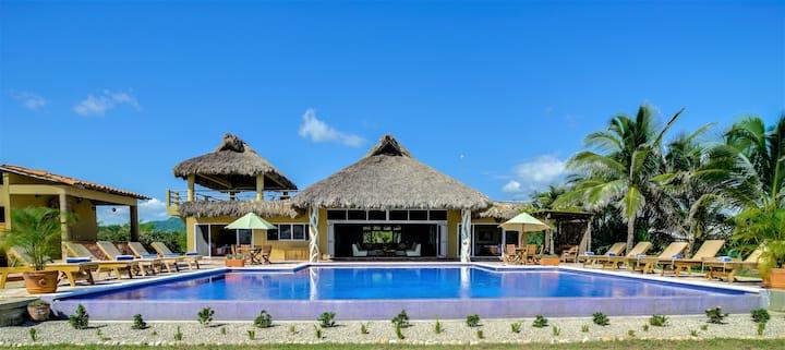 Casa Doris Luxury Oceanfront Full Service Villa