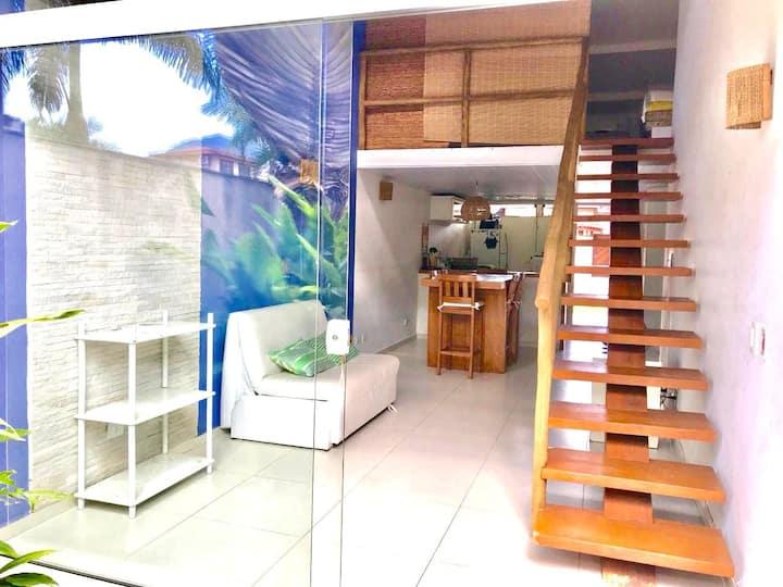 casa de condominio linda-poucos metros da praia