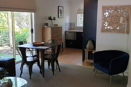 Donnybrook Cottages - Hutt River Bed & Breakfast