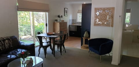 Donnybrook Cottages - Hutt River Bed & Breakfast