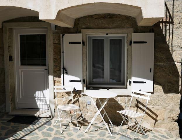 Logement tout confort 22 m², proche de Sartene