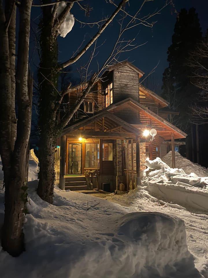 Log Cabin (4 min to gondola) - two beds @tsugaike