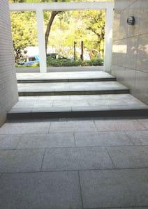 אין מדרגות בכניסה