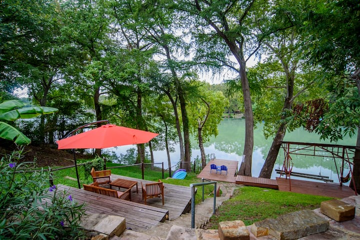 Relaxing Guadalupe River Home with Kayaks!