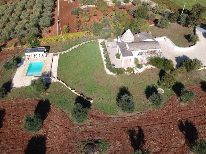 Amazing Trullo with private pool and great view.
